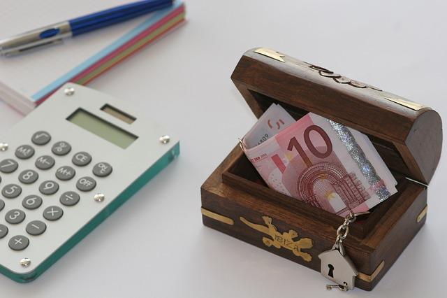 jak odkładać pieniądze